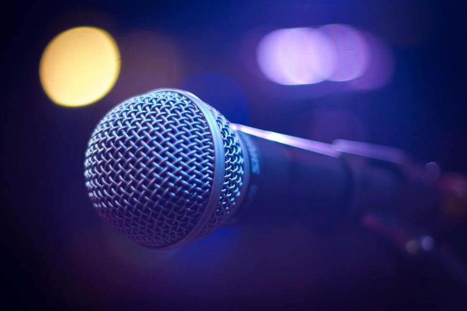 microphone-1261792_960_720